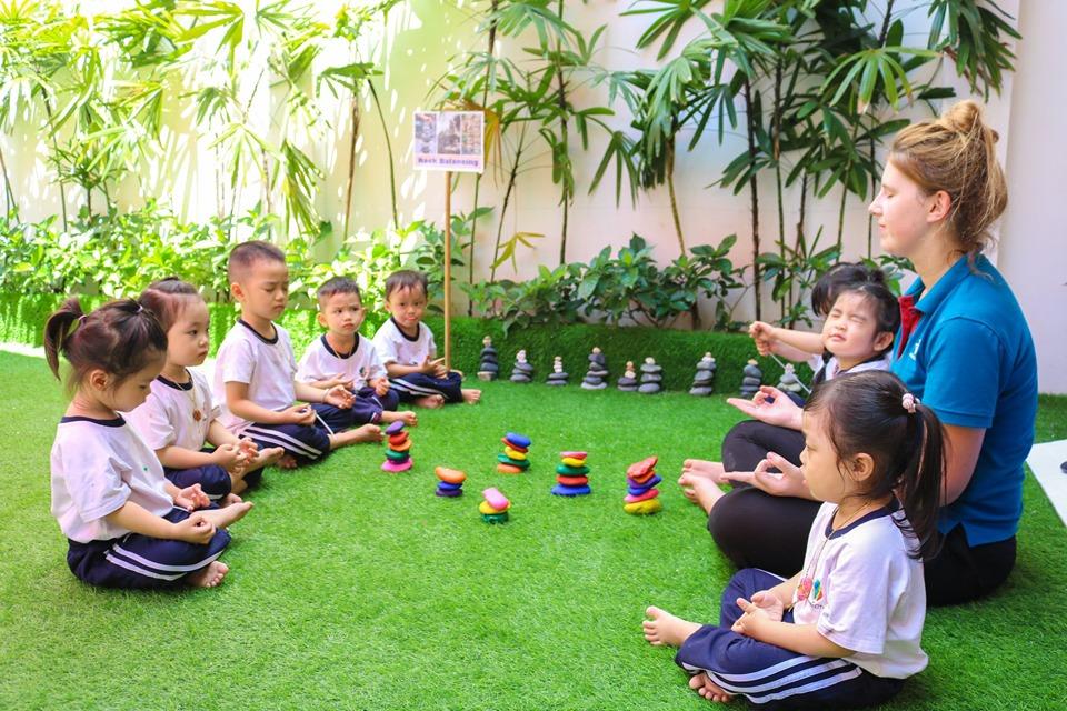 Hơn 70 hoạt động Học qua chơi (Learn through play)