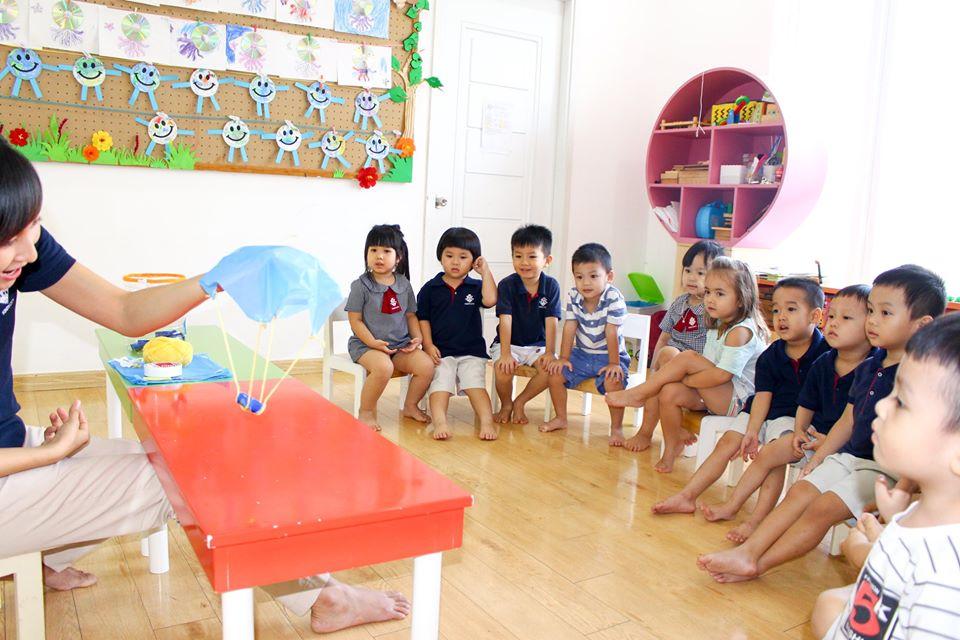 Học sinh Kindy City làm khinh khí cầu độc đáo