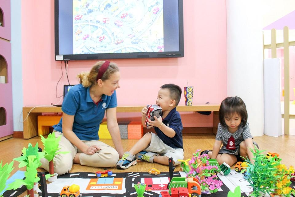 Trẻ xây dựng thật tốt phản xạ về ngôn ngữ