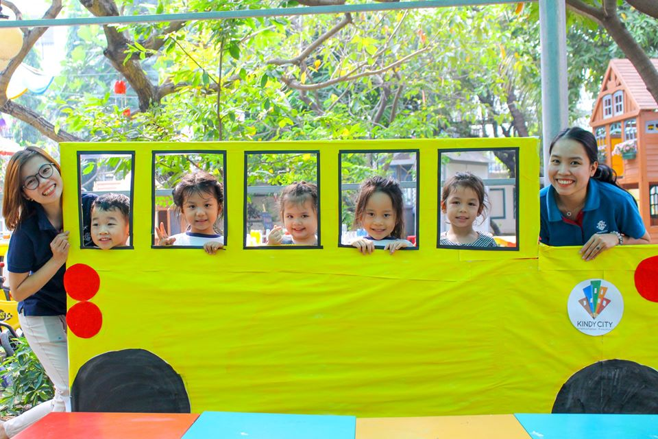 School Bus Picture Frames Craft