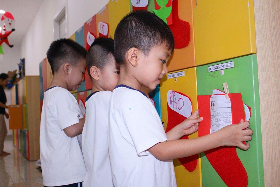 Học sinh KINDY CITY Bình Tân đã có được những món quà Giáng sinh tiết kiệm, ý nghĩa