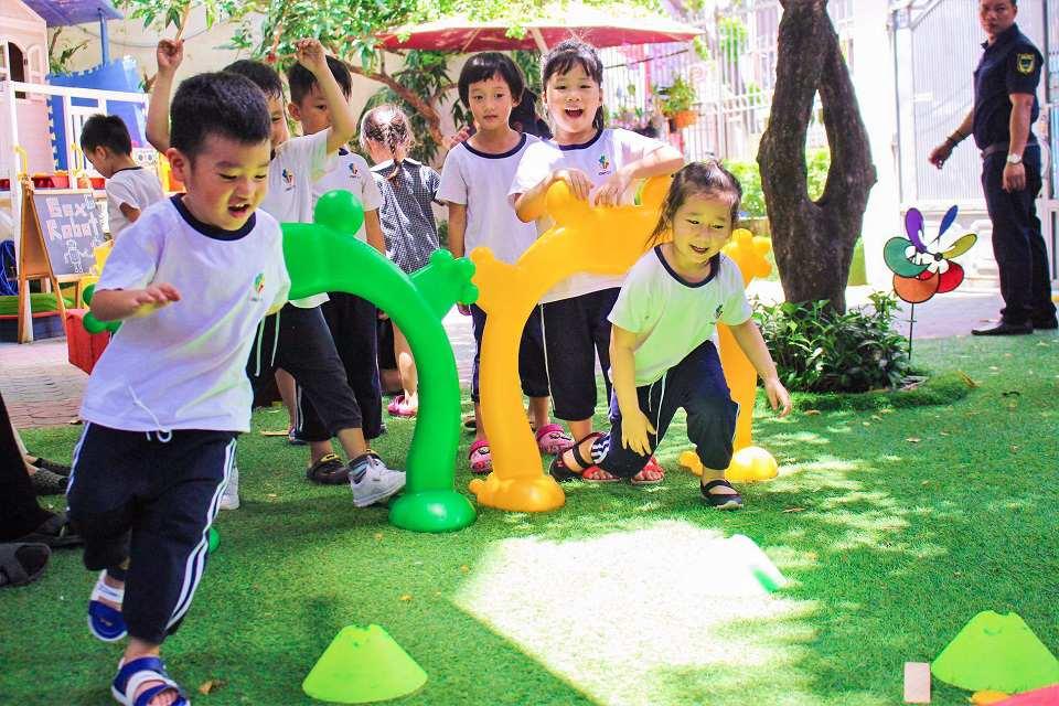 Trẻ tăng khả năng vận động thô