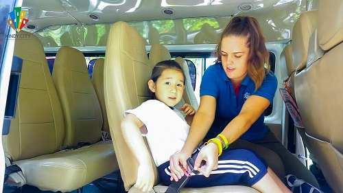 truong-mam-non-quoc-te-baby-wear-your-seatbelt