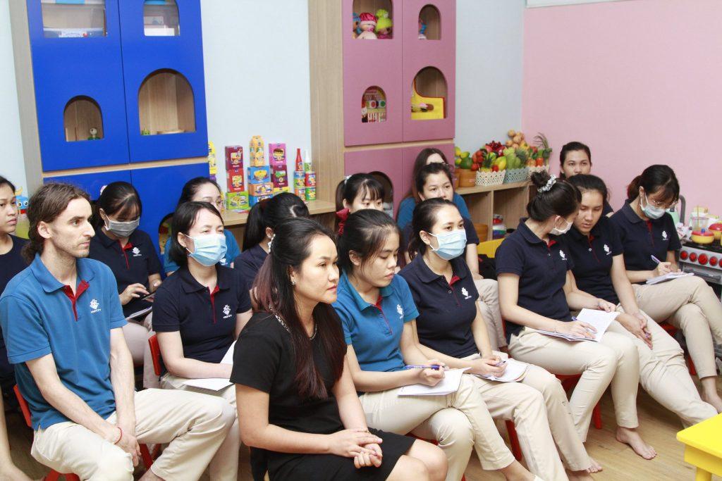 Buổi tập huấn chủ đề Đánh giá học sinh và trao đổi với phụ huynh